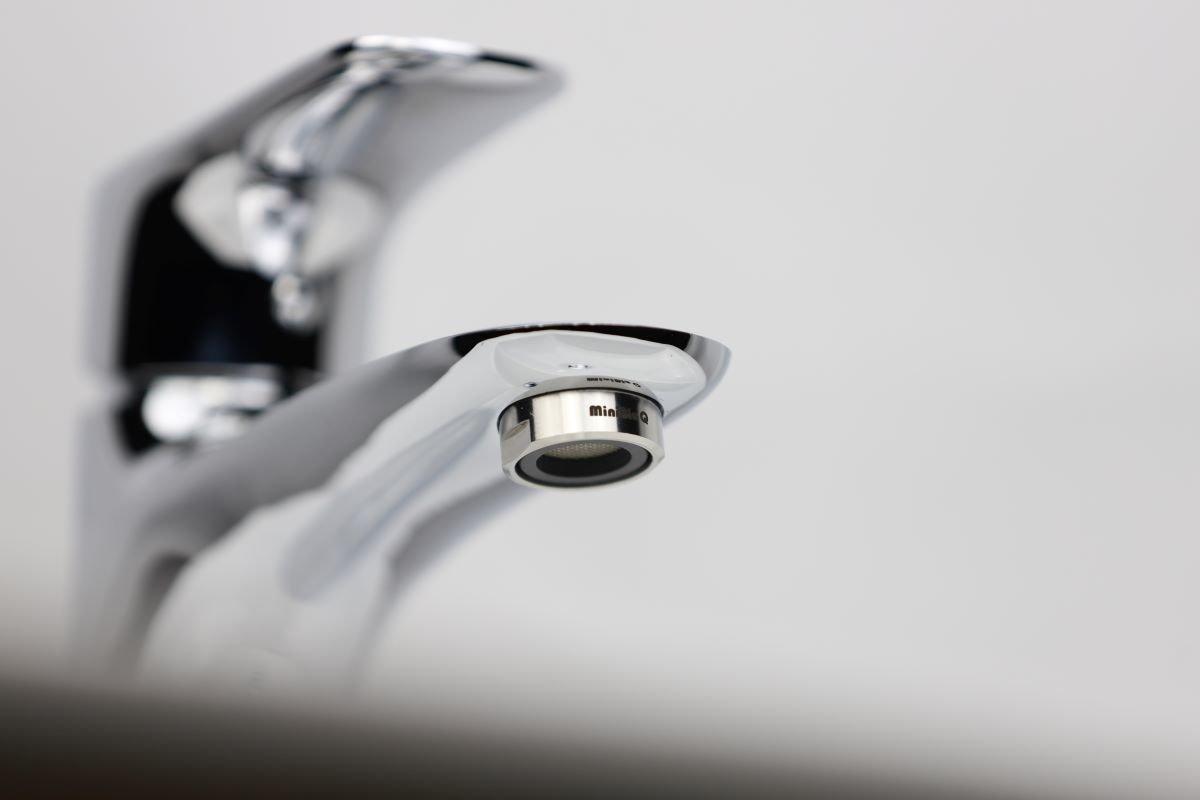 MiniBle Q微氣泡起波器 深層清潔、有效除菌、去除農殘、釋放大量負離子裝在水龍頭上產生微氣泡水